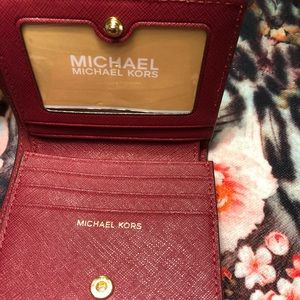 10adf65d8aba Michael Kors Bags - NWT Michael Kors Flap Card Holder Mulberry Leather